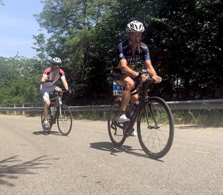 Florian und Trainer Werner auf dem Fahrrad