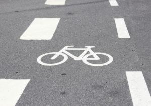 Gestrichelte Linie Radweg